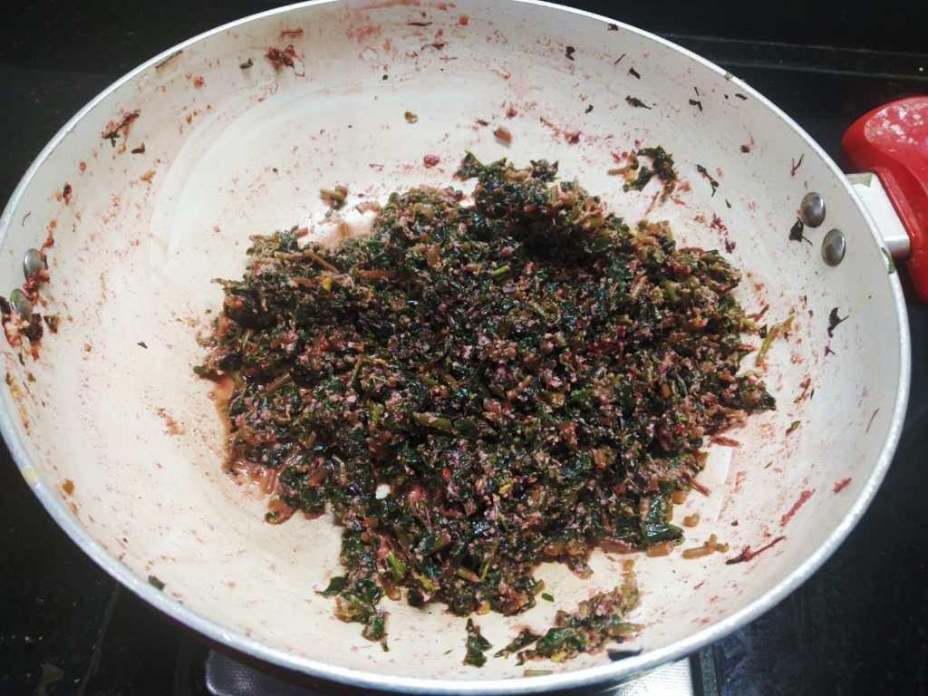 CEIN9122-1024x768 Goan Tambdi Bhaji/ Laal Saag/ Goan Style Red Amaranth Curry