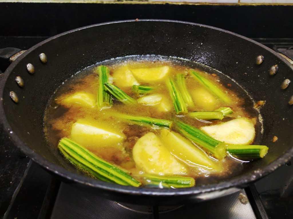 FPFT0441-1024x768 Potato Moringa Gravy/ Aloo Drumstick Kuzhambu