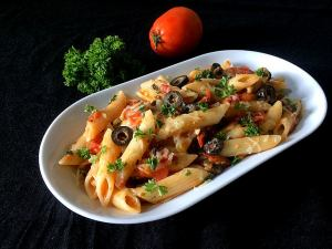 FVPH8007-300x225 Fresh Tomato and Parsley Pasta/Penne Pasta in Tomato and Parsley Sauce