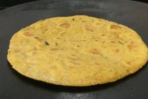 GSKV7384-300x202 Roti with left over rice