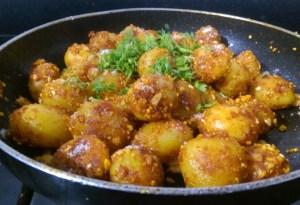 IPVR4397-300x205 Easy Peasy Garlic Flavored Baby Potato Roast