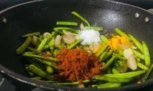 IVPY5008-300x178 Cluster Bean Spicy Gravy/Kothavarangai Puli Kozhambu