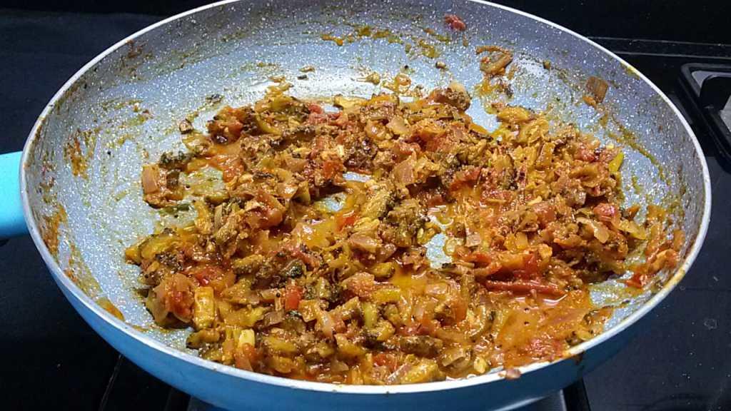 JMRD4572-1024x576 Bitter Gourd (Karela) Masala Curry/ Pavakkai Masala Curry