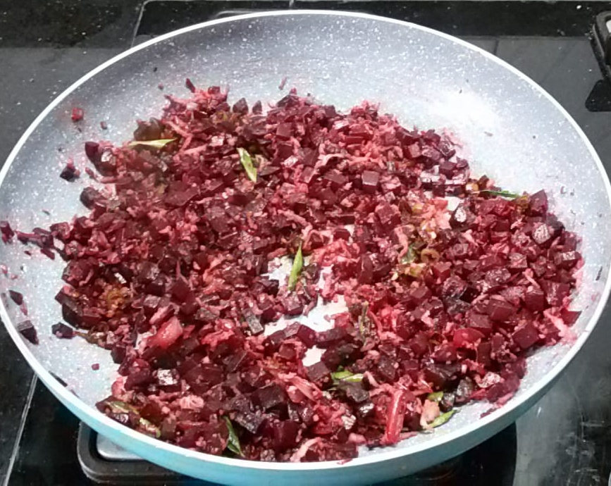 NOSO6439 Vegan Beetroot Stir Fry with Coconut/ Beetroot Poriyal with Coconut