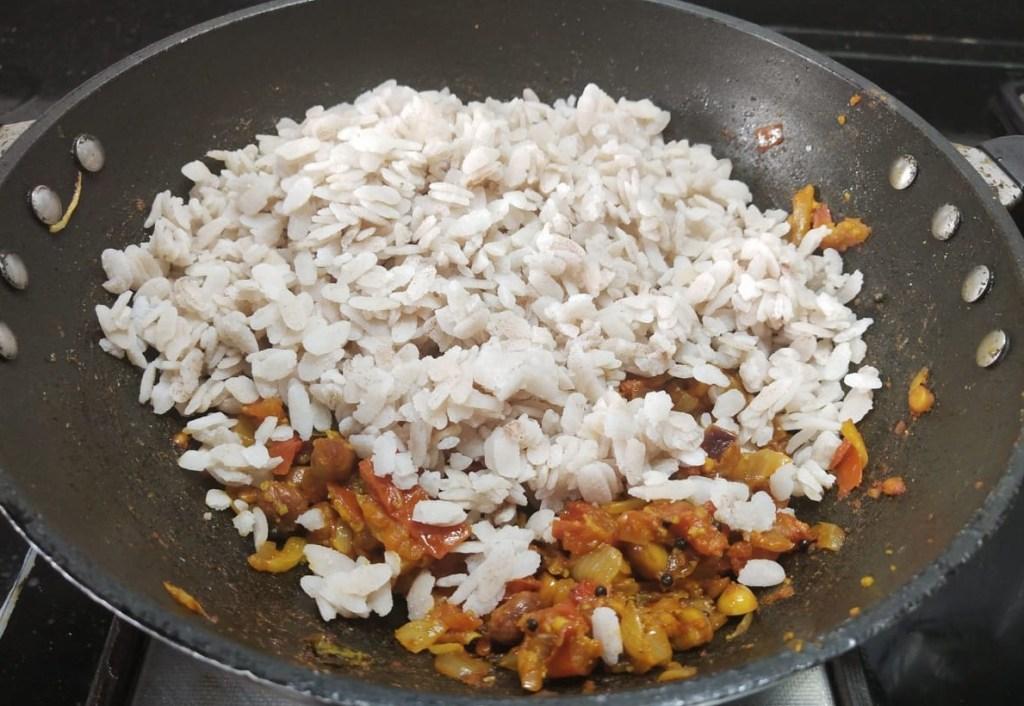 OCXY4304-1024x706 Tomato Flattened Rice/ Tomato Poha/ Thakkali Aval