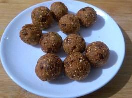 TLMG5737-300x223 Jackfruit Seed Dumpling in Gravy/ Palakottai Urulai Kulambu