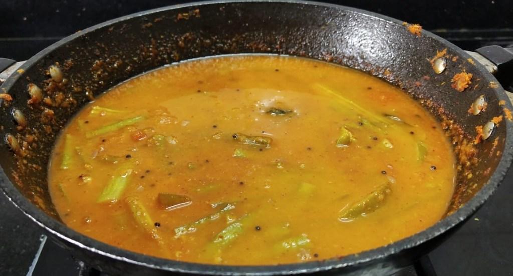 UOZK0045-1024x551 Raw Mango Cluster Bean Curry/ Aam Gawar ki Sabzi/ Manga Kothavarangai Kuzhambu