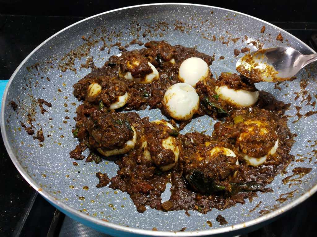 WPOE7976-1024x768 Chettinad Egg Pepper Fry / Chettinad Muttai Milagu Poriyal