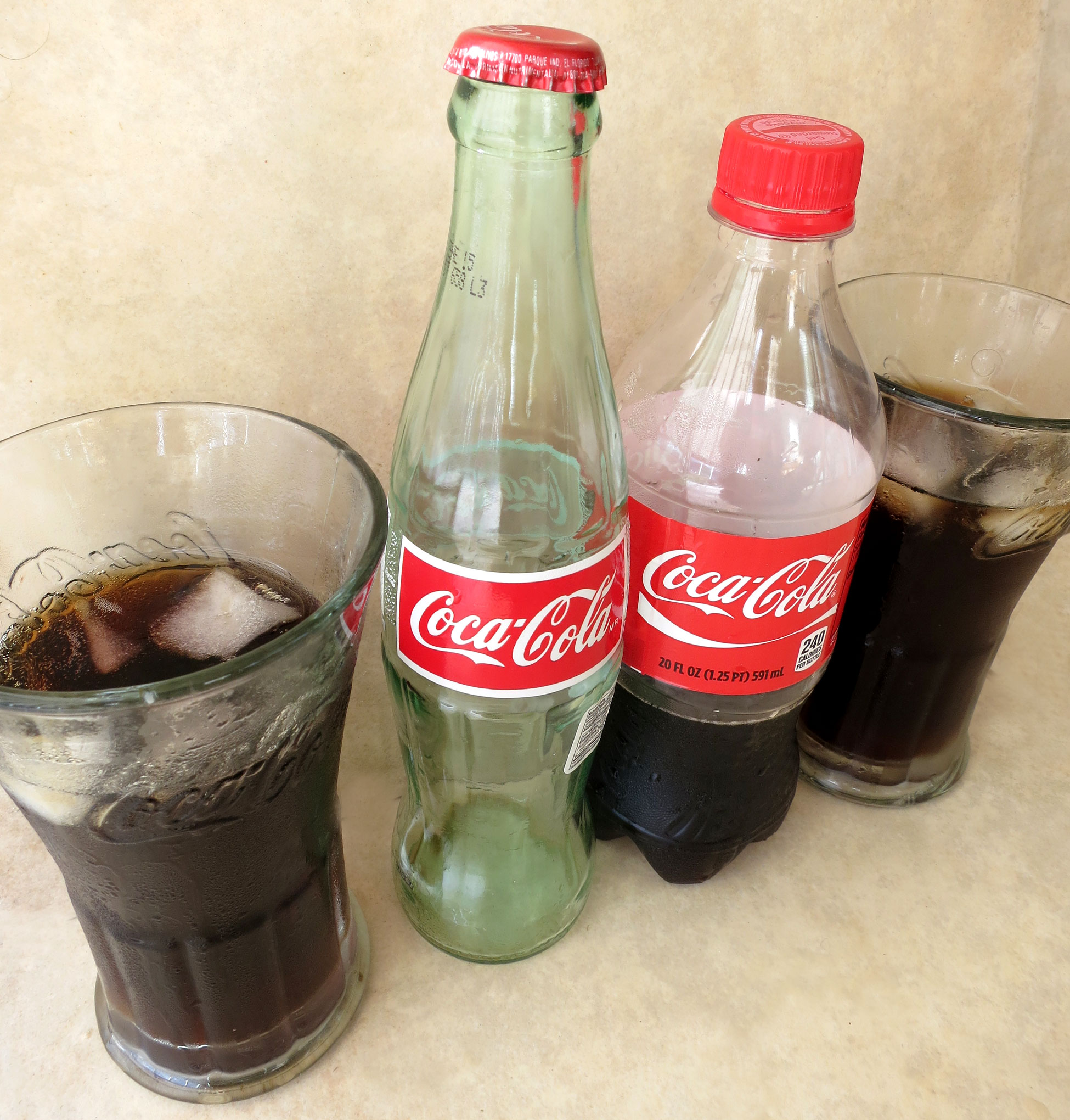 coca cola vs escola Product description our leigh country classic coca-cola cooler not only looks great but has .