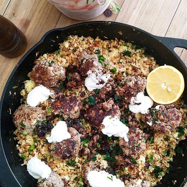 Feta Hackbällchen mit Blumenkohlreis Blumenkohlreis, Hackbällchen keto rezepte ketogen diät Rezepte, Lunch & Dinner 1