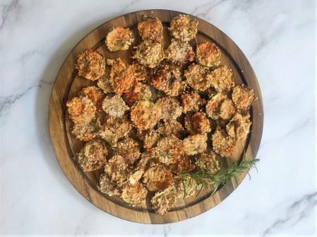 Knusprige ketogene Zucchini Parmesan Chips - Low Carb Chips Beilage keto rezepte ketogen diät Beilage 1