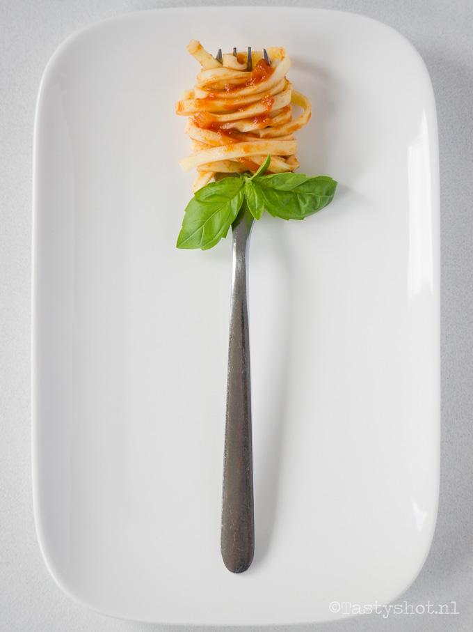 Tomatensaus Recept. - Photography © Gitta Polak www.tastyshot.nl