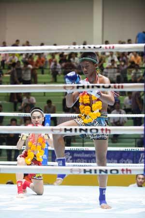 Lumpinee-Boxing-Stadium-Ram-Intra-13