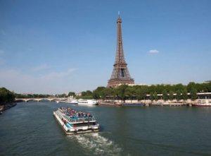 The Eiffel Tower in Paris, France www.france.fr 680x500