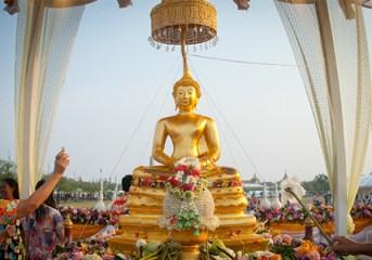 Songkran 2016 celebrations being enjoyed across Bangkok