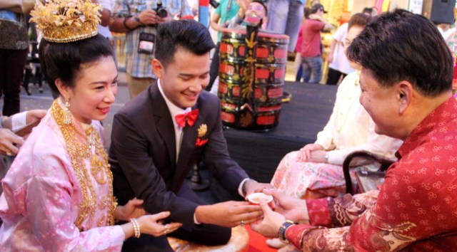 Four Regions and a Wedding: Guide to Weddings in Thailand (Photo credit : Phuket News)