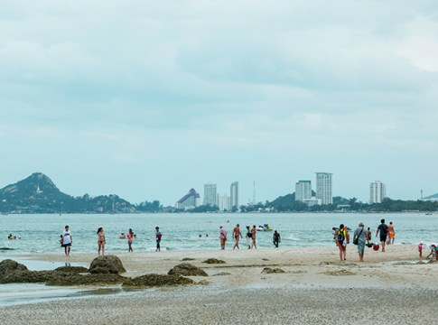 Hua Hin Beach - swim safely