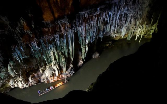 Cruising through the Cave, Tham Lot, Mae Hong Son