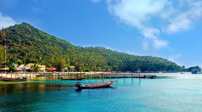 Catch the weekday group discount on ferry travel to Ko Samui, Ko Tao, and Ko Phangan