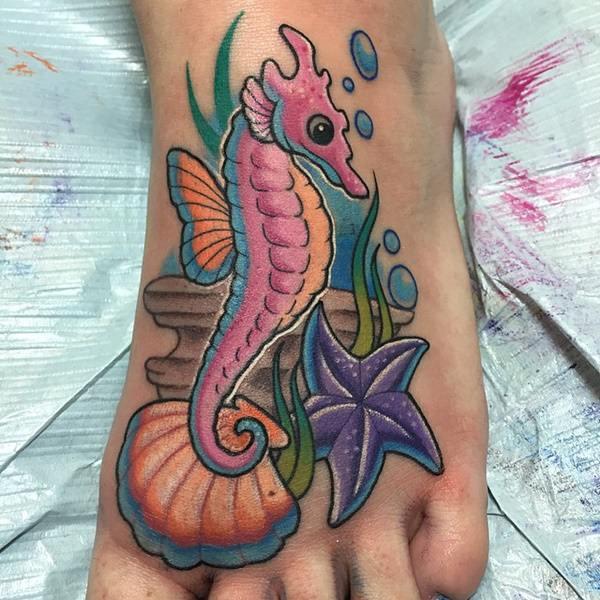 10160916-starfish-tattoos