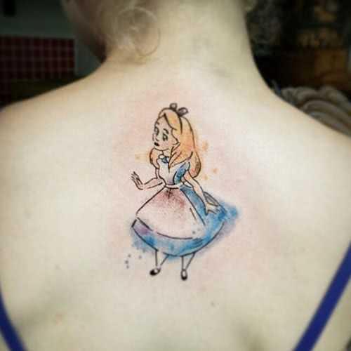 Tattoo Alice im Wunderland Rücken Tattoo