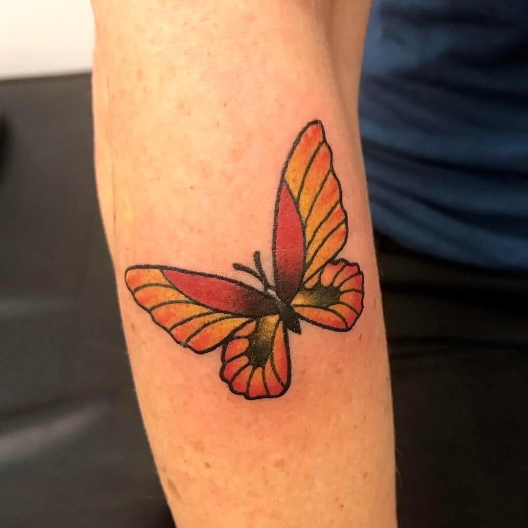 Tattoo farbiger Schmetterling