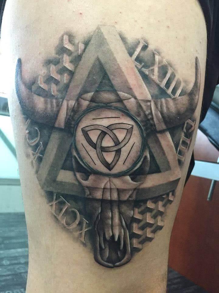 Tattoo Stier Totenkopf