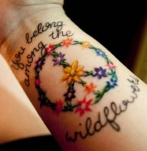 Frase: You belong among the wildflowers & Signo Peace