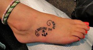 Frase: I refuse to sink & Ancla