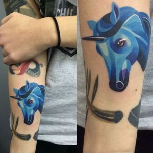 Unicornio Azul by Sasha Unisex