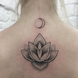 Flor de Loto y Luna by Sashatattooing