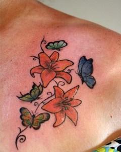 Flores y Mariposas by Under Tattoo Studio
