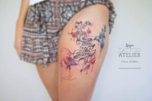 Colibríes, Flores y Frase by Julia Dumps