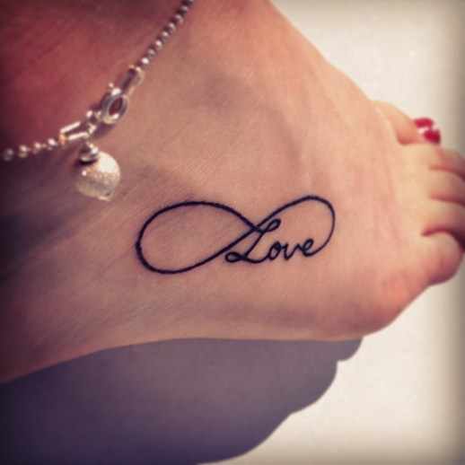 Signo Infinito y Frase Love