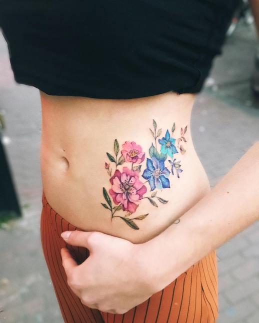 Flores estilo Acuarelas en caderas