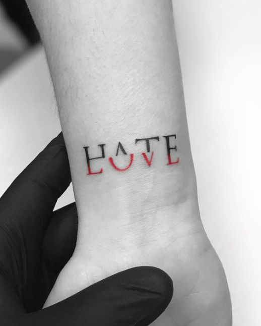 Frase: Love Hate