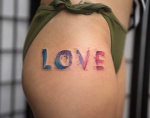 Frase: Love por Georgia Grey