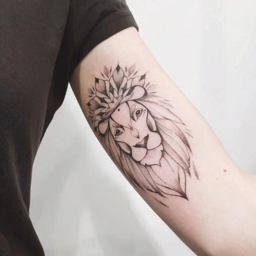 León por Darylis Tattoo