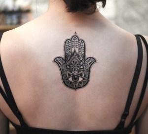 Mano de Hamsa por Tattooist Grain