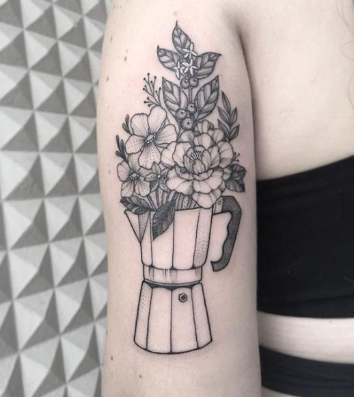 Cafetera con flores