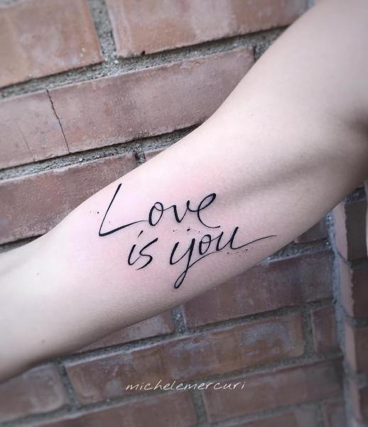 Frase: Love is you por Michele Mercuri
