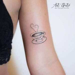 Taza de té por Luciana Periard Art Efeito