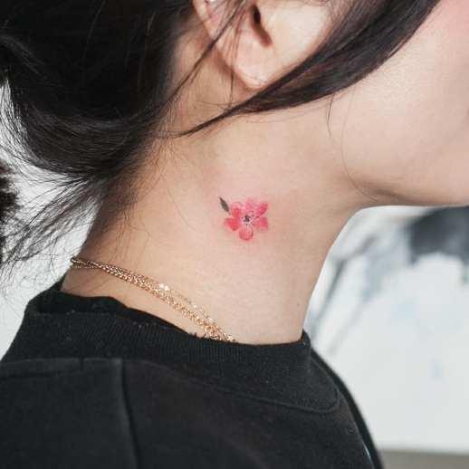Flor por Graffittoo Tattoo Studio