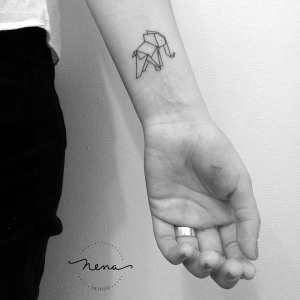 Elefante estilo origami por Nena Tattoo, Diana Opazo