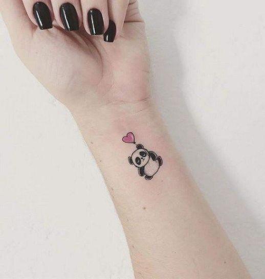Oso panda flotando