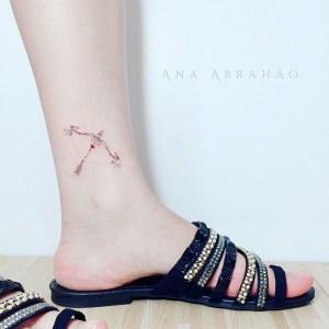 Arco y flecha, Signo del Zodíaco Sagitario por Ana Abrahão