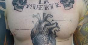 Tattoo en el pecho