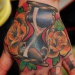 tatuaje reloj de arena