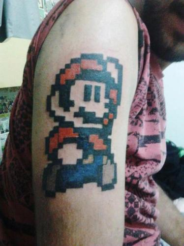 Tatuaje Mario Retro