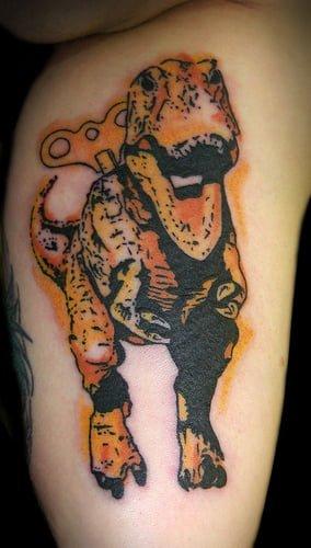 Tatuaje de dinosaurio de juguete